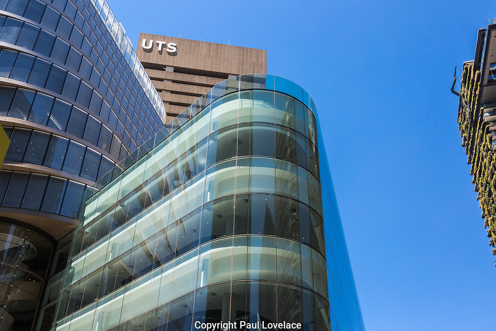 The glass encassed UTS Central Building has many unique design features. Designed by Australian architectural firm FJMT, it features a 10-level twisted tower sittin above a 5-level podium. UTS Central is particularly notable for its curved lines and unique twist on the upper levels. The double helix staircase in UTS Central is made from Australian steel and curved glass. This great building is sustainable with special sun shading systems which control the sun entering, regulating light and internal temperatures.