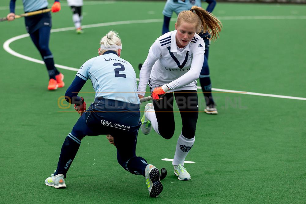 LAREN -  Hockey Hoofdklasse Dames: Laren v Pinoké, seizoen 2020-2021. Foto: Kiki van Geldorp (Pinoké)
