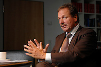 16 NOV 2006, BERLIN/GERMANY:<br /> Frank Bsirske, Vorsitzender der Gewerkschaft ver.di, Vereinte Dienstleistungsgewerkschaft, waehrend einem Interview, in seinem Buero, Ver.di Bundesverwaltung<br /> IMAGE: 20061116-01-052