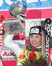SKI ALPIN: Weltcup, Damen, Riesenslalom, Soelden, 22.10.2005<br /> Siegerin Tina MAZE (SLO) mit Pokal<br /> Photo by Pixathlon / Sportida Photo Agency