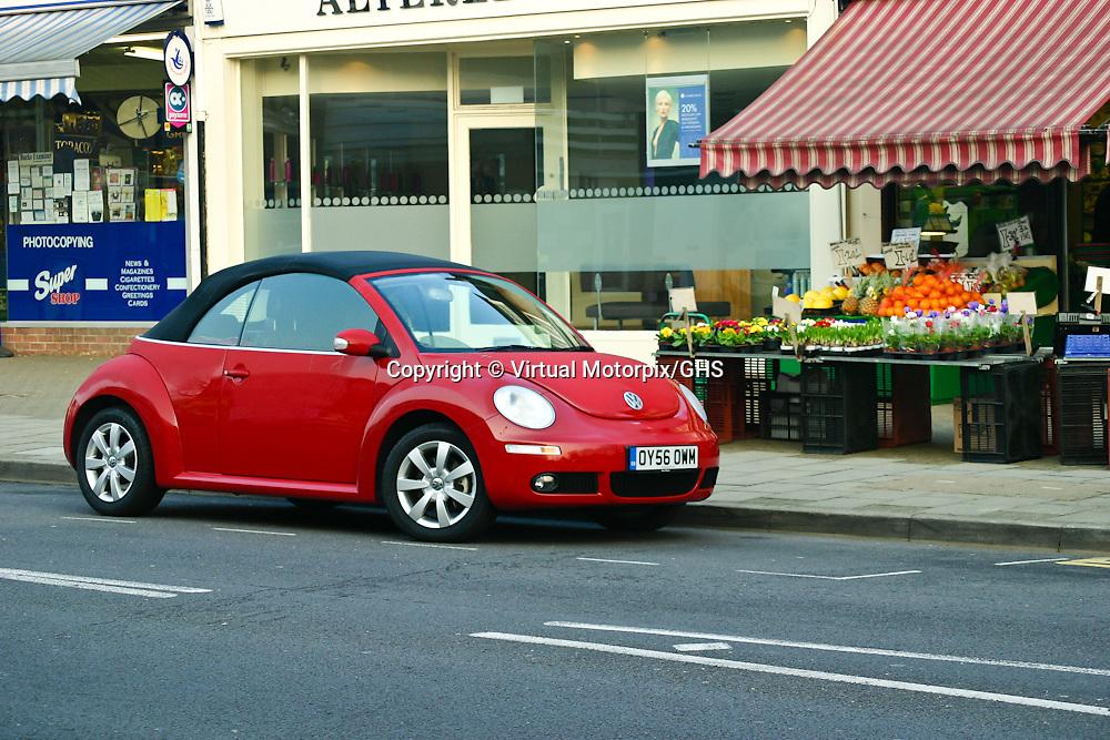 VW Beetle Cabriolet (2007), Amersham, Buckinghamshire, UK