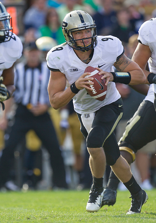 September 08, 2012:  Purdue quarterback Robert Marve (9) during NCAA Football game action between the Notre Dame Fighting Irish and the Purdue Boilermakers at Notre Dame Stadium in South Bend, Indiana.  Notre Dame defeated Purdue 20-17.