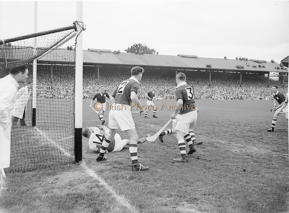 Neg No: 860/a1769-a1778,..4091955AISHCF,..04.09.1955, 09.14.1955, 4th September 1955,..All Ireland Senior Hurling Championship - Final,..Wexford.03-13,.Galway.02-08,..