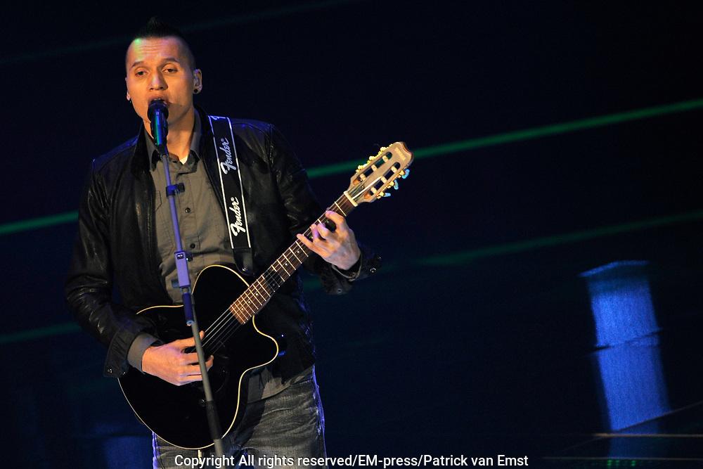 Eerste Live Show van de Voice of Holland in Studio 22 in Hilversum.<br /> <br /> Op de foto:  Danjil Tuhumena