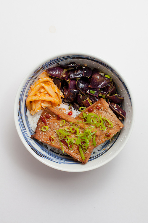 Ginger Sesame Tofu Bowl from the fridge (m€) - COVID-19 Social Distancing