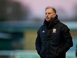 BANGOR, WALES - Saturday, November 17, 2018: Wales Under 19 manager Paul Bodin during the UEFA Under-19 Championship 2019 Qualifying Group 4 match between Sweden and Wales at the Nantporth Stadium. (Pic by Paul Greenwood/Propaganda)