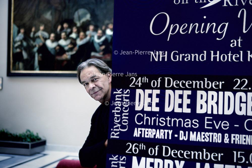 Nederland, Amsterdam , 10 december 2009..Hans Douglas, kapper en initiatiefnemer van Jazz on the Riverbank.