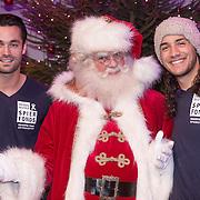 NLD/Hilversum /20131210 - Sky Radio Christmas Tree For Charity 2013, Jan Kooijman en Juvat Westendorp met de kerstman