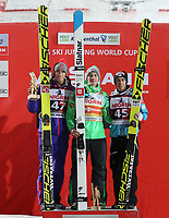 Hopp<br /> FIS World Cup<br /> Foto: Gepa/Digitalsport<br /> NORWAY ONLY<br /> <br /> KLINGENTHAL,GERMANY,04.DEC.16 - NORDIC SKIING, SKI JUMPING - FIS World Cup Klingenthal, large hill, men, award ceremony. Image shows Daniel Andre Tande (NOR), Domen Prevc (SLO) and Stefan Kraft (AUT).