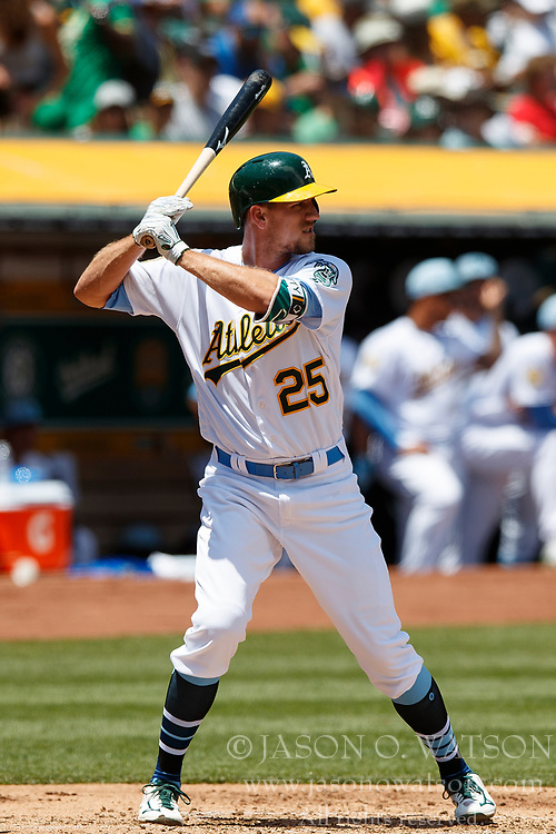 OAKLAND, CA - JUNE 17: Stephen Piscotty #25 of the Oakland Athletics at bat against the Los Angeles Angels of Anaheim during the second inning at the Oakland Coliseum on June 17, 2018 in Oakland, California. The Oakland Athletics defeated the Los Angeles Angels of Anaheim 6-5 in 11 innings. (Photo by Jason O. Watson/Getty Images) *** Local Caption *** Stephen Piscotty
