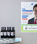 Interno del comitato elettorale di Forza Italia a sostegno del candidato Fabio Altitonante. Via Cappellini, Milano.