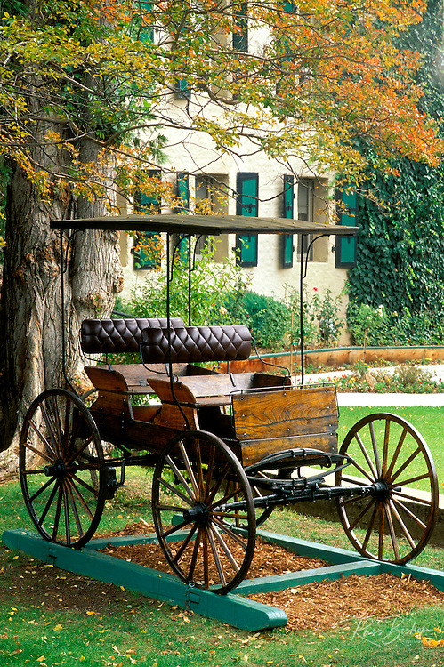 Carriage at the Murphys Hotel (founded 1856), Murphys, Gold Country, California USA