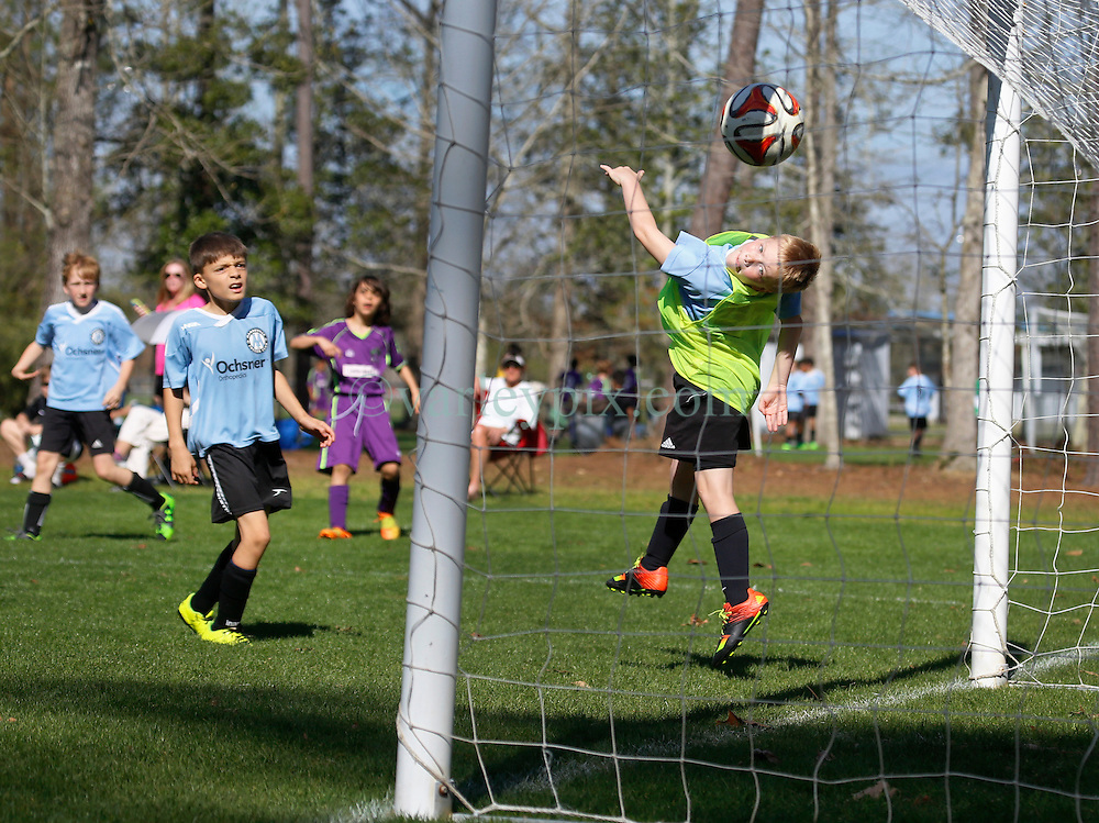06 March 2016.  Mandeville, Louisiana.<br /> New Orleans Jesters Youth Academy U10 Green vs Mandeville Soccer Club 'White.' Jesters emerge victorious 5-1.<br /> Photo©; Charlie Varley/varleypix.com
