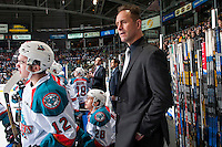 KELOWNA, CANADA - FEBRUARY 10: Kelowna Rockets' head coach Jason Smith stands on the bench against the Vancouver Giants on February 10, 2017 at Prospera Place in Kelowna, British Columbia, Canada.  (Photo by Marissa Baecker/Shoot the Breeze)  *** Local Caption ***