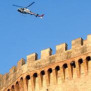 ITA/Bracchiano/20061118 - Huwelijk Tom Cruise en Katie Holmes, helicopter boven het kasteel