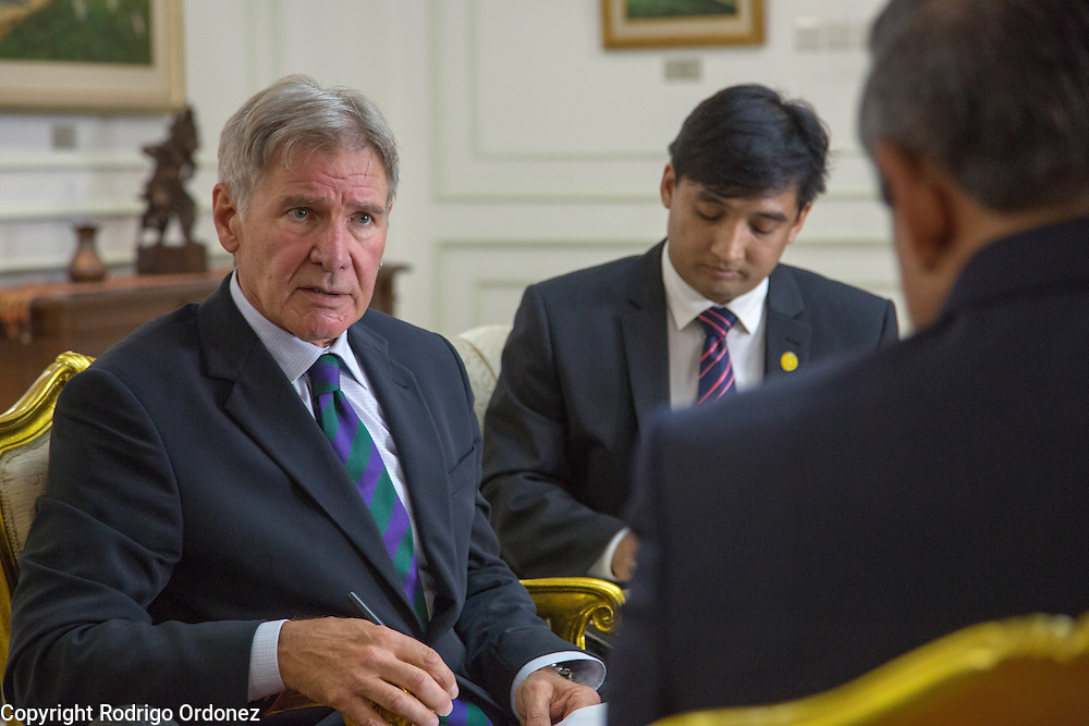 Actor and environmental activist Harrison Ford (left) talks to the President of Indonesia, Susilo Bambang Yudhoyono, at the Presidential Palace in Central Jakarta, Indonesia. <br /> Harrison Ford visited Indonesia to learn more about deforestation, as one of the correspondents for Showtime's new documentary series about climate change Years of Living Dangerously.