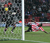 Photo: Lee Earle.<br /> Southampton v Derby County. Coca Cola Championship. 04/02/2006. Derby keeper Lee Camp keeps out Ricardo Fullers's late attempt.