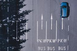 THEMENBILD - ein Auto und Fahrbahnmarkierungen Richtungspfeile und Aufschrift PKW, Bus. Die Hochalpenstrasse verbindet die beiden Bundeslaender Salzburg und Kaernten und ist als Erlebnisstrasse vorrangig von touristischer Bedeutung, aufgenommen am 11. Juni 2020 in Fusch a.d. Glstr., Österreich // a car drives trought - Road marks Direction arrows and inscription car, bus. The High Alpine Road connects the two provinces of Salzburg and Carinthia and is as an adventure road priority of tourist interest, Fusch a.d. Glstr., Austria on 2020/06/11. EXPA Pictures © 2020, PhotoCredit: EXPA/ JFK