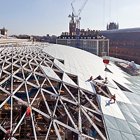 Building the western booking hall, King's Cross station