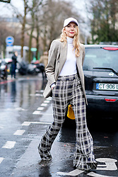 Street style, Roberta Benteler arriving at Guy Laroche Fall-Winter 2017-2018 show held at Palais de Tokyo, in Paris, France, on March 1, 2017. Photo by Marie-Paola Bertrand-Hillion/ABACAPRESS.COM