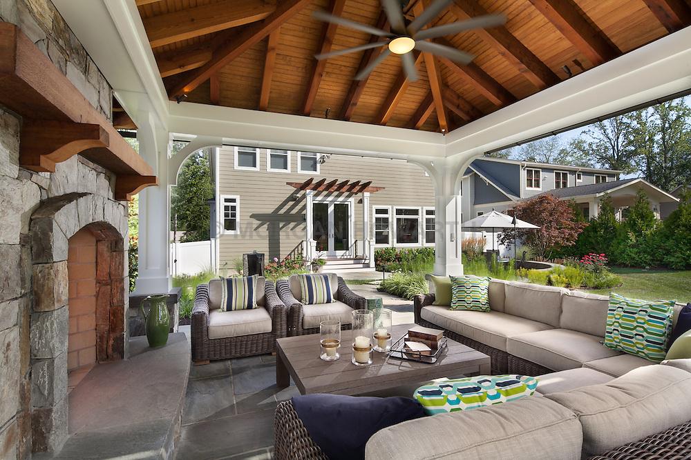 VA1-966-326 322 Owaissa interior of outdoor pavilion
