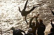 Putney, London, ENGLAND, 02.04.2006, 2006, Varsity,Boat Race, Oxford vs Cambridge,  © Peter Spurrier/Intersport-images.com.[Mandatory Credit Peter Spurrier/ Intersport Images] 2006, Varsity Boat Race,  Varsity, Boat race. Rowing Course: River Thames, Championship course, Putney to Mortlake 4.25 Miles