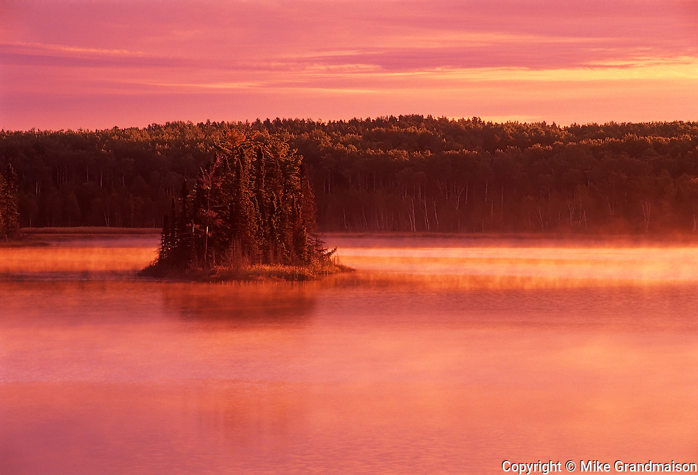 Island in Bunny Lake at sunrise<br />