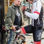 NLD/Almere/20160924 - Start fietstocht BN'ers trappen darmkanker de wereld uit, Arie Koomen en Sander Janson