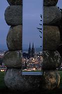 France. massif central. Clermont Ferrand. The cathedral , the old city /  / view from Montjuzet Park    France  /   La cathedrale , la vieille ville vue depuis le parc Montjuzet.  Clermont Ferrand  France   /  / L005083  /  R20707  /  P114784