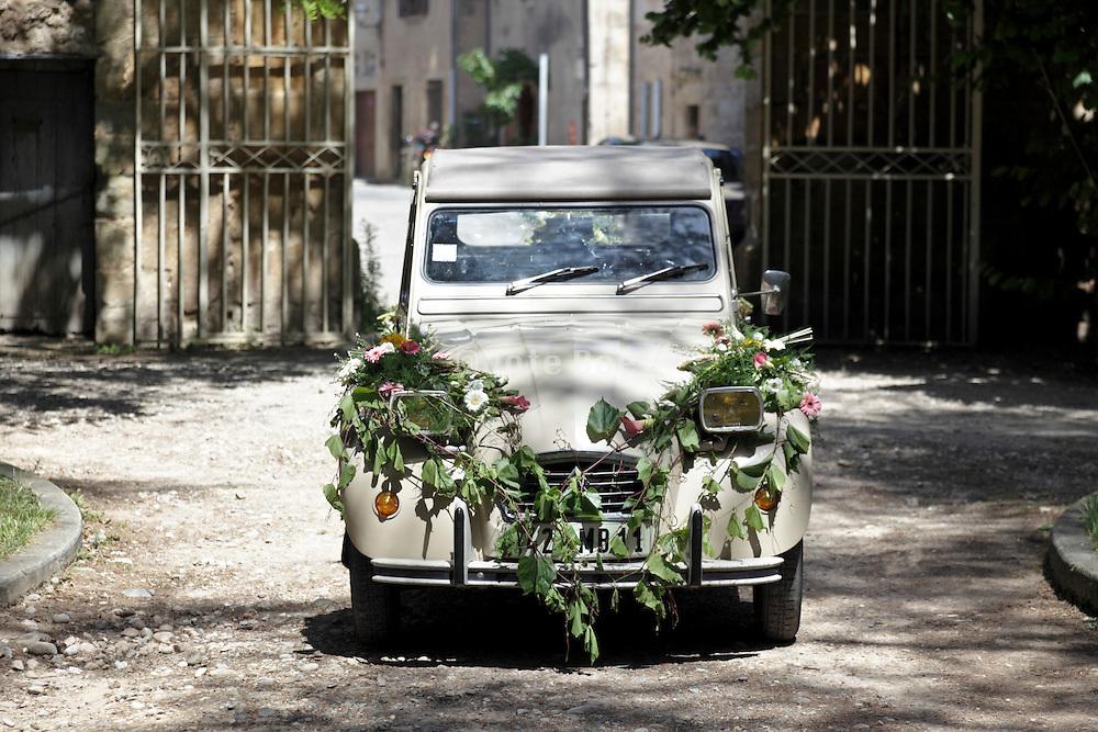 2CV made up for wedding
