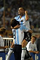 Fotball<br /> VM-kvalifisering Sør Amerika<br /> Argentina v Equador<br /> 30. mars 2004<br /> Buenos Aires<br /> Foto: Digitalsport<br /> Norway Only<br /> <br /> HERNAN CRESPO AND ANDRES D'ALESSANDRO (ARGENTINA)