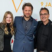 NLD/Katwijk/20191030 - 9 jaar Soldaat van Oranje, Prins Pieter-Christiaan en dochter Emma met Producer Fred Boot
