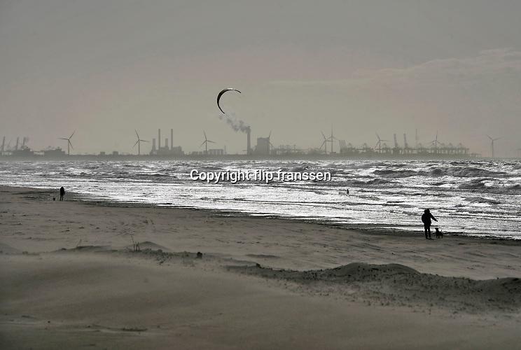 Nederland, Monster, 12-3-2020In de duinen langs de Noordzee  Er wordt veel gefietst en gewandeld in het duinengebied en op het strand . Foto: Flip Franssen