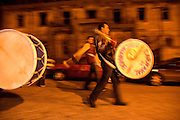 Several weeks before Carnival, during a chilly winter, local drums' group ?Os Viriatos? make rehearsals all night long. The groups has members as young as 10 years old kids.