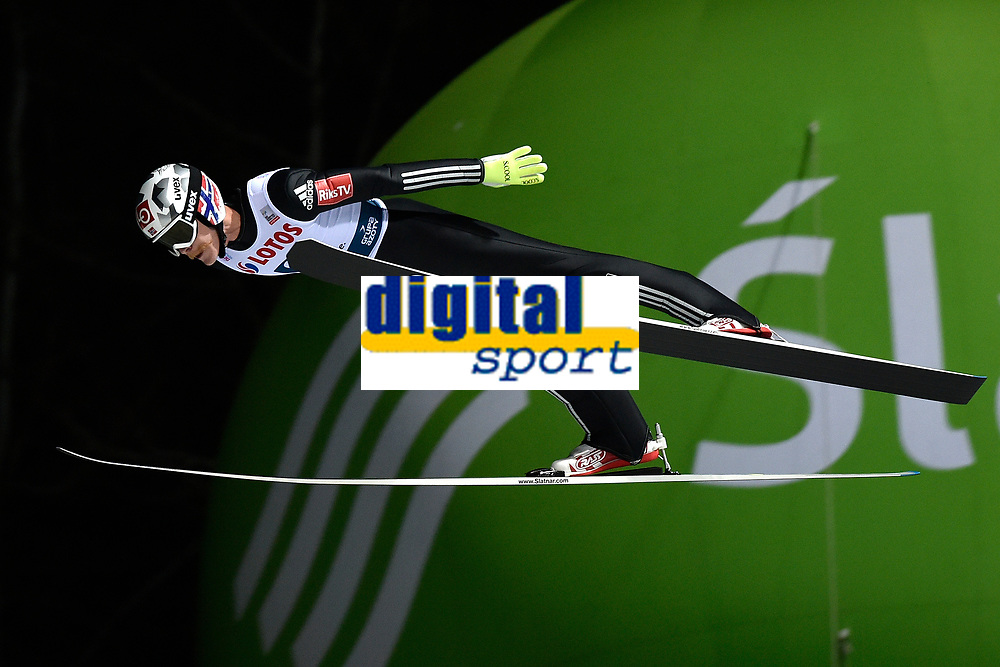 Hopp<br /> FIS World Cup<br /> Wisla Polen<br /> November 2017<br /> Foto: Gepa/Digitalsport<br /> NORWAY ONLY<br /> <br /> WISLA,POLAND,18.NOV.17 - NORDIC SKIING, SKI JUMPING - FIS World Cup, large hill, team event, men. Image shows Robert Johansson (NOR). Photo: GEPA pictures/ Wrofoto/ Piotr Hawalej - ATTENTION - NO USAGE RIGHTS FOR POLISH CLIENTS.