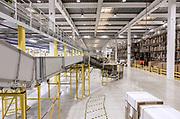 Piacenza, Castel San Giovanni, Amazon logistic center, <br /> Outbound: parte del centro di distribuzione dove i prodotti sono impacchettati ed etichettati con l'indirizzo per la spedizione
