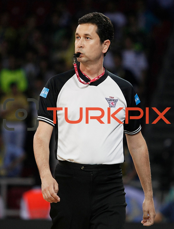 Referee's Mehmet KESERATAR during their Turkish Basketball league Play Off Final fourth leg match Fenerbahce Ulker between Efes Pilsen at the Abdi Ipekci Arena in Istanbul Turkey on Thursday 27 May 2010. Photo by Aykut AKICI/TURKPIX