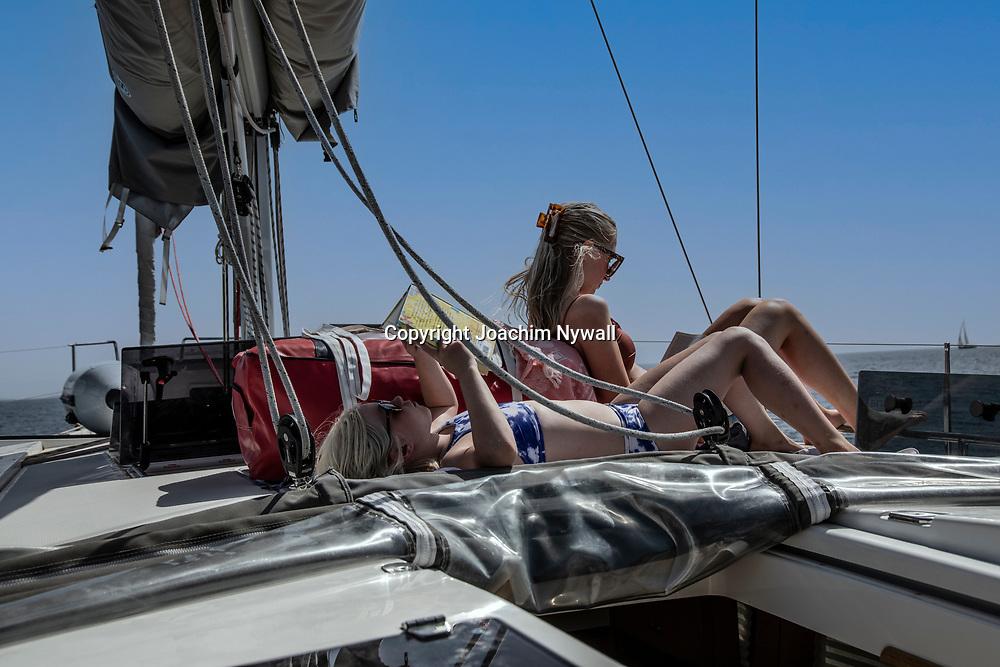 Vis Dalmatien Kroatien 2021 06 23<br /> Lata dagar på en segelbåt på Adriatiska havet. <br /> Sommar sol semester båtar Bad<br /> Kroatien<br /> <br /> ----<br /> FOTO : JOACHIM NYWALL KOD 0708840825_1<br /> COPYRIGHT JOACHIM NYWALL<br /> <br /> ***BETALBILD***<br /> Redovisas till <br /> NYWALL MEDIA AB<br /> Strandgatan 30<br /> 461 31 Trollhättan<br /> Prislista enl BLF , om inget annat avtalas.