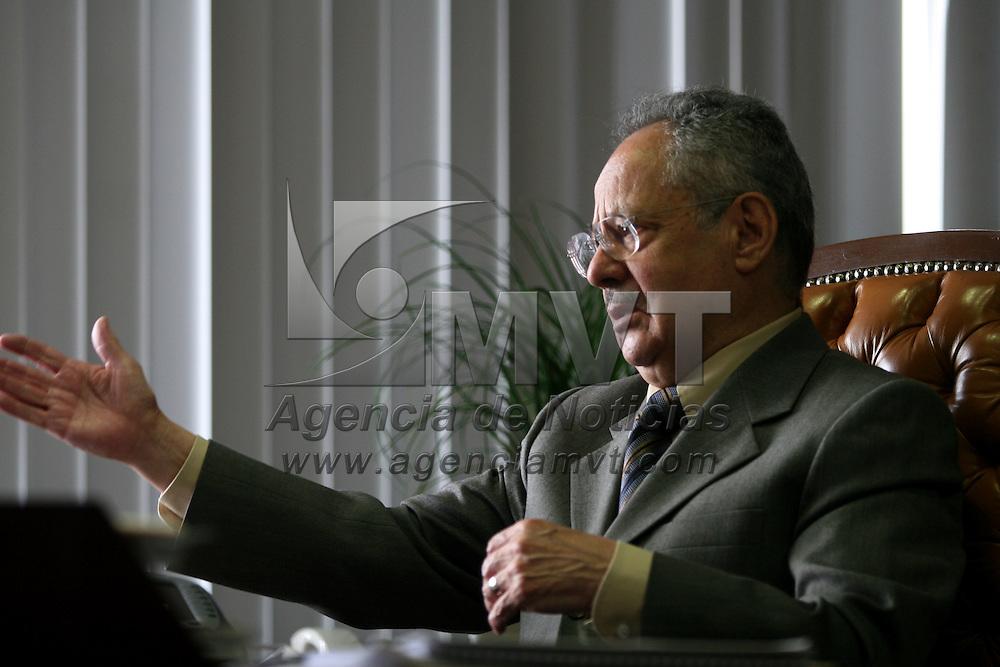 Toluca, Mex.- Abel Villicaña Estrada, procurador de justicia del Estado de Mexico, captado durante una entrevista en su despacho el pasado 6 de Octubre de 2006. Agencia MVT / Mario Vazquez de la Torre. (DIGITAL)<br /> <br /> <br /> <br /> <br /> <br /> <br /> <br /> NO ARCHIVAR - NO ARCHIVE