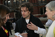 THOMAS HEATHERWICK, V and A celebrates 150th anniversary. V and A. London. 26 June 2007.  -DO NOT ARCHIVE-© Copyright Photograph by Dafydd Jones. 248 Clapham Rd. London SW9 0PZ. Tel 0207 820 0771. www.dafjones.com.