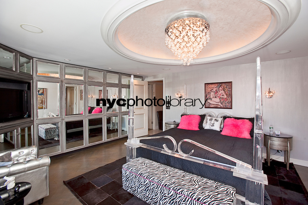 Master Bedroom at 923 Fifth Avenue