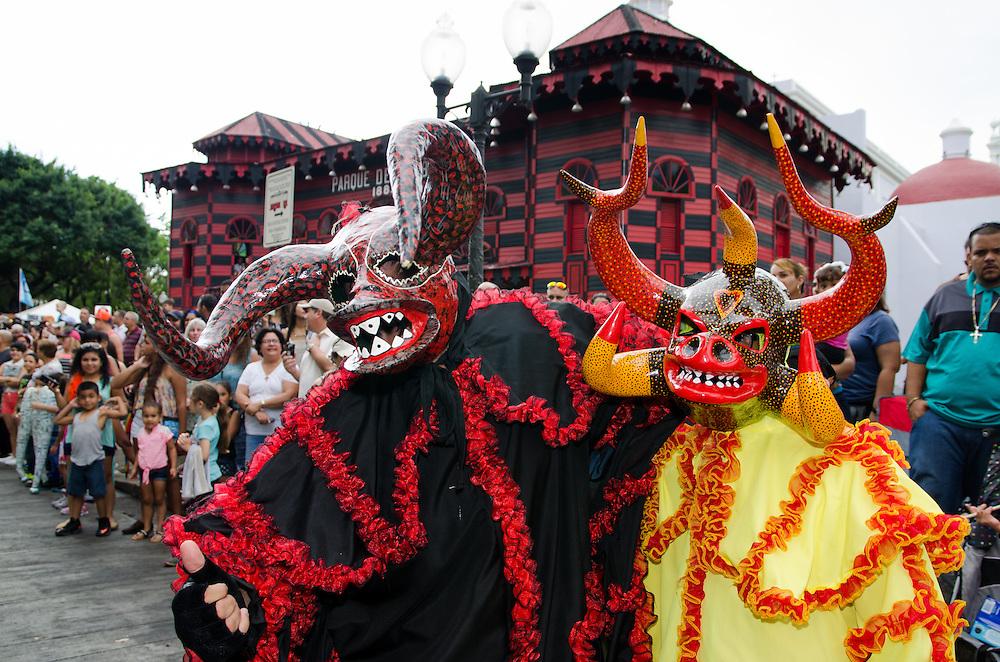 2015-02-15- Ponce Puerto Rico-Desfile del Carnaval de Ponce, Plaza las Delicias. Ponce Carnival Parade at Plaza las Delicias.