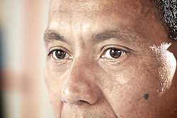 Francisco Godoy, é professor de taekwondo e é conhecido como Chinês. Ele descobriu uma atleta chamada Débora Nunes e passou dois anos treinando ela na garagem do prédio. FOTO: Jefferson Bernardes/Preview.com