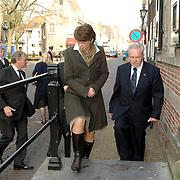 NLD/Naarden/20070406 - Mattheus Passion 2007, Vicepremiere Andre Rouvoet en zijn partner Liesbeth arriveren