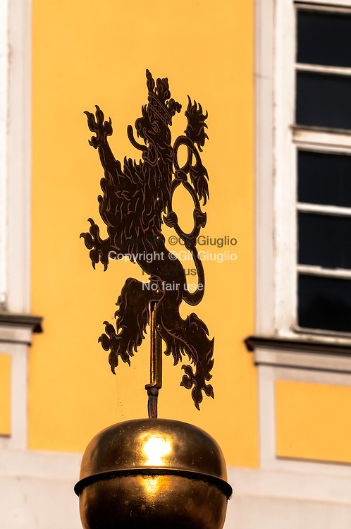 République Tchèque, Prague, Staré Mesto, Praha 1, féronnerie sur petite place Malé derrière grande place Staromestske // Czech Republic, Prague, Stare Mesto, Praha 1,  ironwork on Male place behind Staromestske grand place