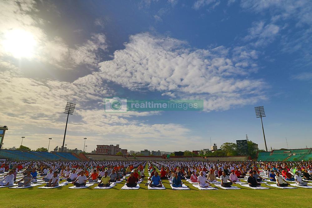 June 21, 2017 - Jaipur, Rajasthan, India - Yoga enthusiasts  take part in a yoga session during the 3rd International Yoga Day at SMS stadium in Jaipur, Rajasthan ,India  on 21st June,2017. (Photo by Vishal Bhatnagar/NurPhoto) (Credit Image: © Vishal Bhatnagar/NurPhoto via ZUMA Press)