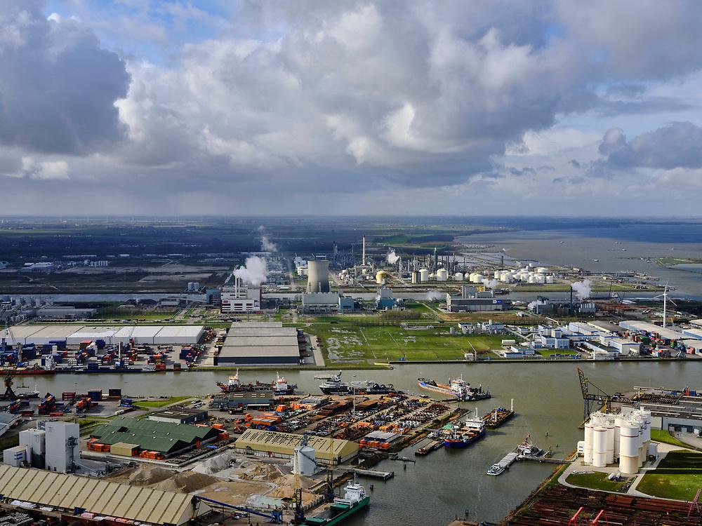 Nederland, Noord-Brabant, Moerdijk; 25-02-2020; <br /> Industrieterrein. Industrial estate.<br /> luchtfoto (toeslag op standard tarieven);<br /> aerial photo (additional fee required)<br /> copyright © 2020 foto/photo Siebe Swart