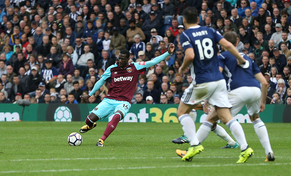 West Ham United's Pedro Obiang with a shot<br /> <br /> Photographer Rob Newell/CameraSport<br /> <br /> The Premier League - West Bromwich Albion v West Ham United - Saturday 16th September 2017 - The Hawthorns - West Bromwich<br /> <br /> World Copyright © 2017 CameraSport. All rights reserved. 43 Linden Ave. Countesthorpe. Leicester. England. LE8 5PG - Tel: +44 (0) 116 277 4147 - admin@camerasport.com - www.camerasport.com