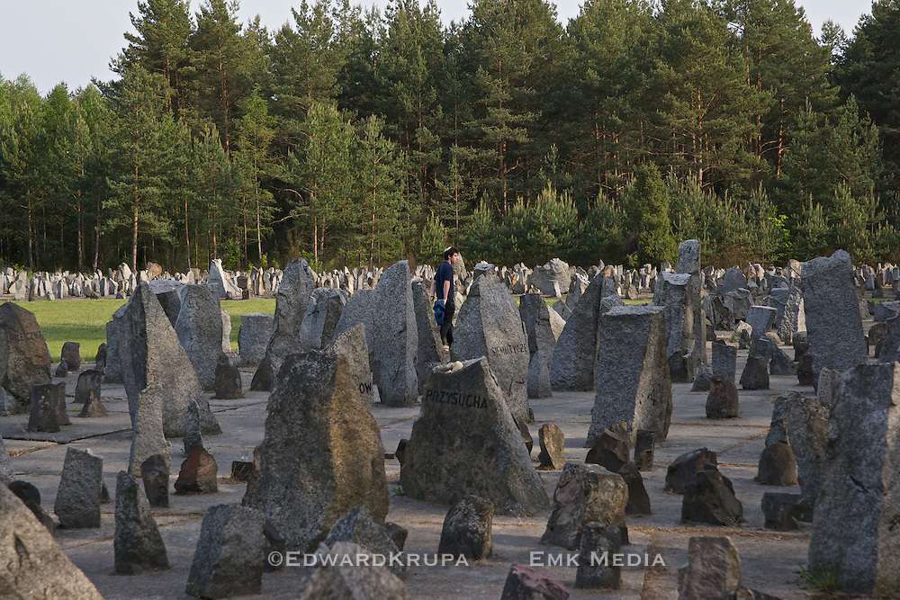 17,000 stones have been placed , many with inscriptions of towns , villages and cities where Jews where taken from and murdered here.