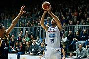 DESCRIZIONE : Cantu Lega A 2013-14 Acqua Vitasnella Cantu Sutor Montegranaro<br /> GIOCATORE : Pietro Aradori<br /> CATEGORIA : Tiro<br /> SQUADRA : Acqua Vitasnella Cantu<br /> EVENTO : Campionato Lega A 2013-2014<br /> GARA : Acqua Vitasnella Cantu Sutor Montegranaro<br /> DATA : 29/12/2013<br /> SPORT : Pallacanestro <br /> AUTORE : Agenzia Ciamillo-Castoria/G.Cottini<br /> Galleria : Lega Basket A 2013-2014  <br /> Fotonotizia : Cantu Lega A 2013-14 Acqua Vitasnella Cantu Sutor Montegranaro<br /> Predefinita :